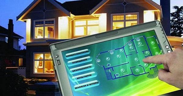 планшет и дом